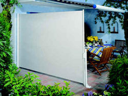 Awesome Retractable Patio Side Screen